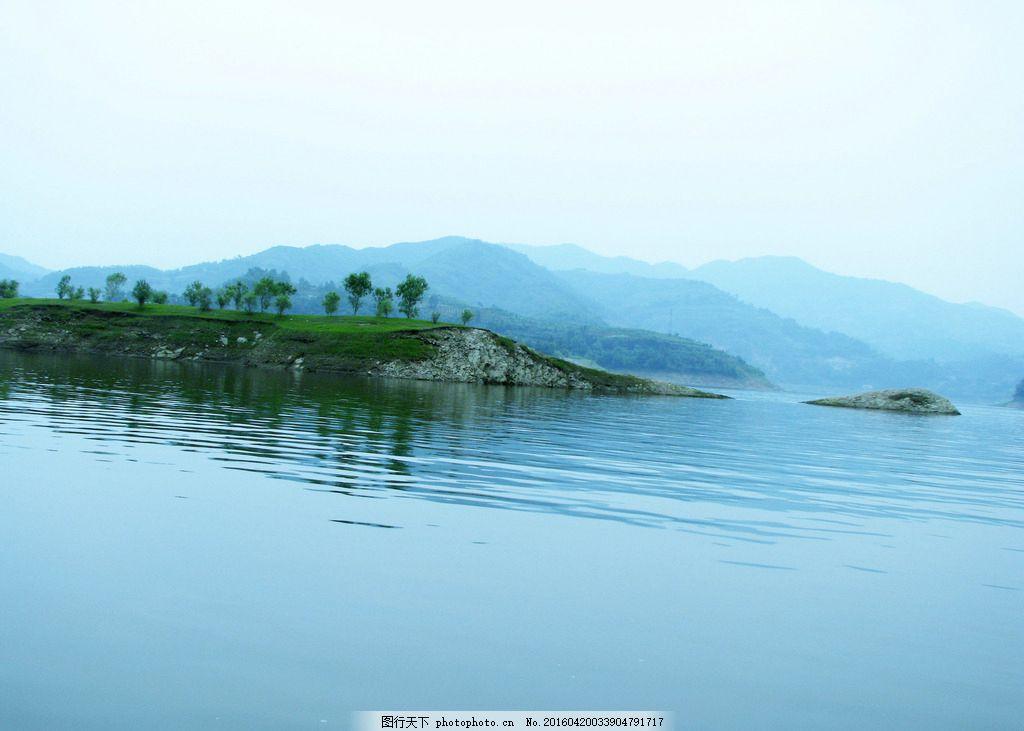 安康瀛湖 瀛湖风景区 瀛湖 上水 河流 青山绿水 小船 木船 摄影 旅游
