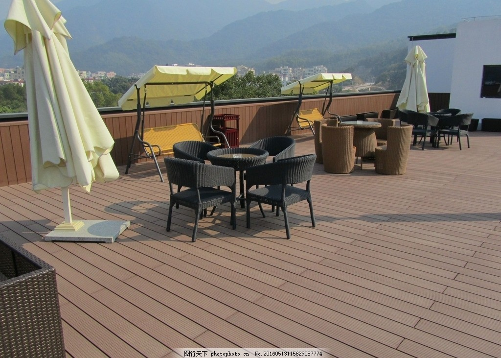 塑木楼顶花园 木塑地板 木塑栏杆 塑木廊架 户外塑木平台 摄影