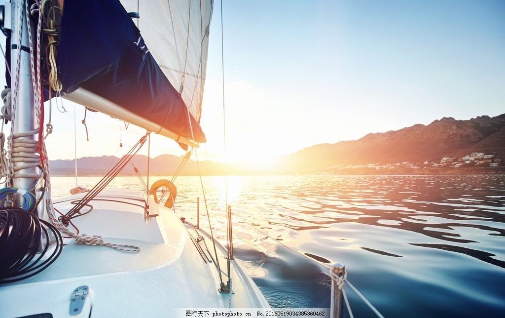 一帆风顺 大海 海面 海水 帆船 交通工具 自然美景 船 航行 航海 行驶