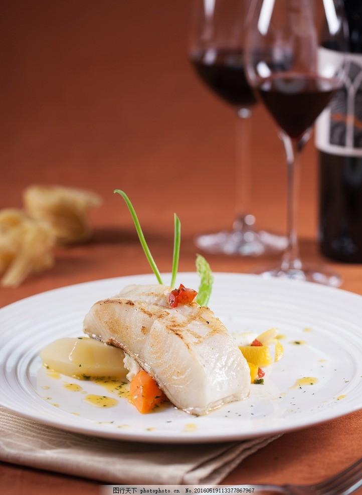 西餐,鱼肉 菜肴 美味 可口 西式 葡萄酒 餐饮美食-图