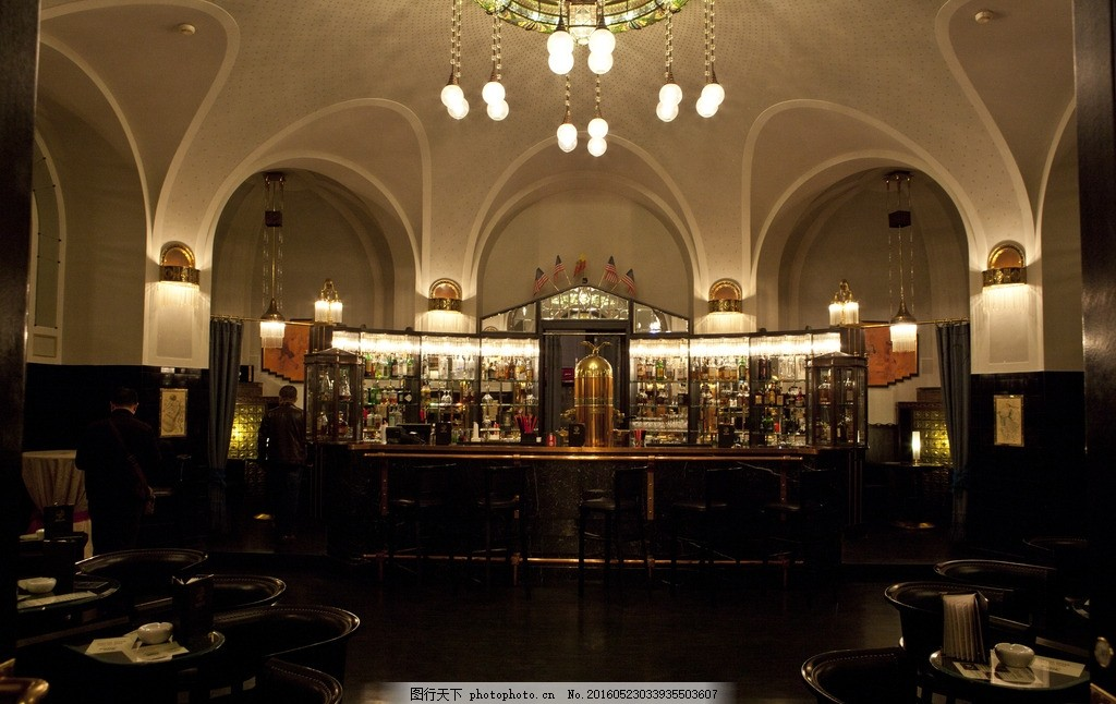 布拉格餐厅 中欧风情 经典传统餐厅 新古典主义 欧式室内装饰 圆拱门