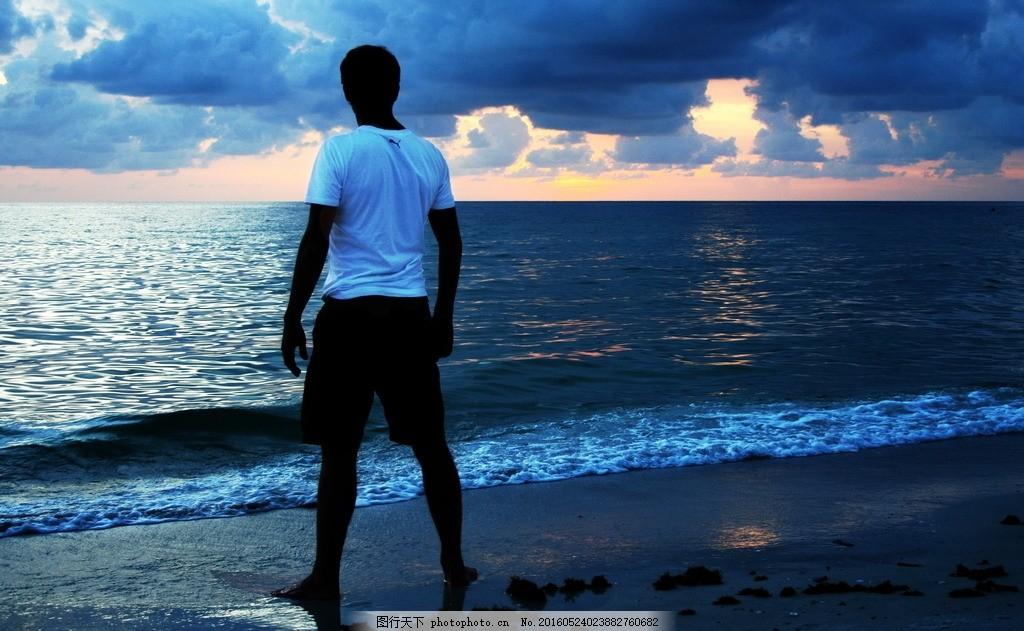 男生 男人 帅气 男生背影 大海 海水 海岸 沙滩 海边背影 帅哥模特