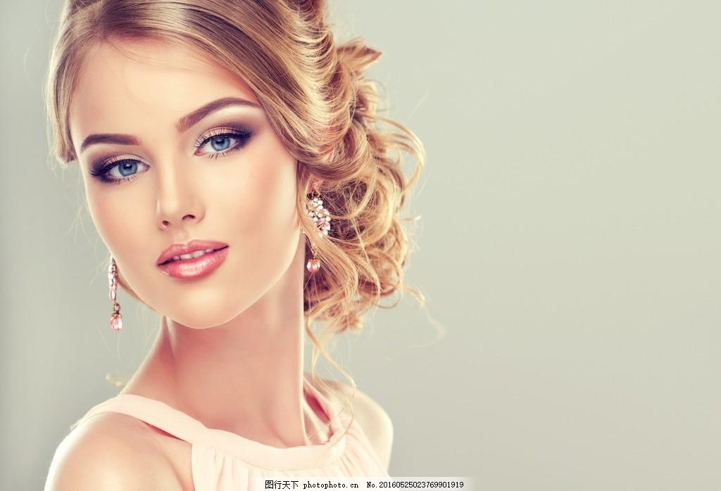 美女 妖艳 模特 化妆 彩妆 漂亮 时尚 红唇 口红 眼神 写真 大片 摄影