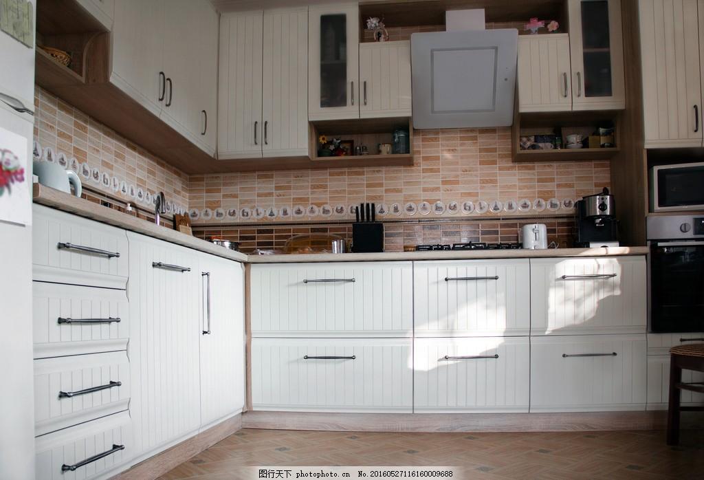 白色欧式厨房装修效果图片