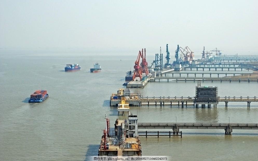 常熟港金泾作业区 常熟 常熟港 码头 长江 轮船 机械 倒影 建筑 工业