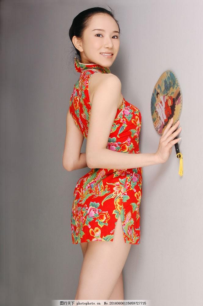 穿旗袍的美女图片