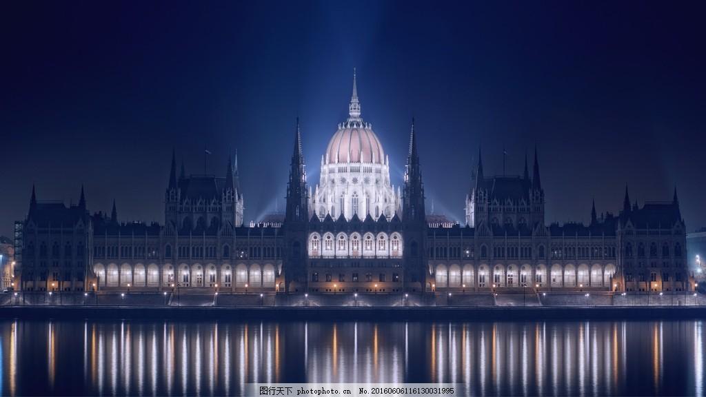 欧式宫殿夜景图片