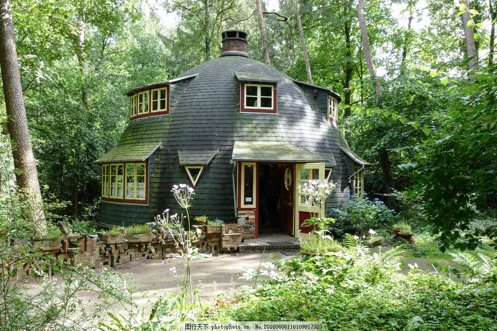 高清林中小屋 高清林中小屋图片下载 森林 林木 大树 林间