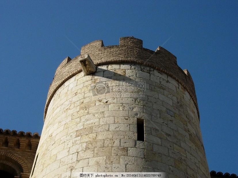 欧式的建筑 美丽 塔 屋顶 城堡 砖 石头 红色