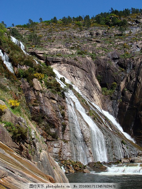 科鲁尼亚 西班牙 景观 大瀑布 山树水 级联 自然 目睹 红色