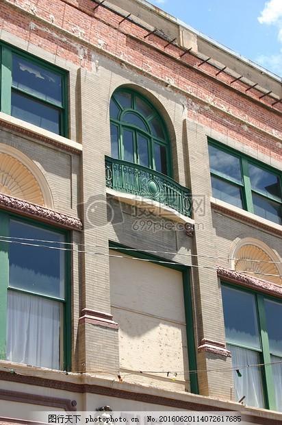 建筑的一角 墙砖 砌体 砖墙 旧式 欧式 柱子 红色