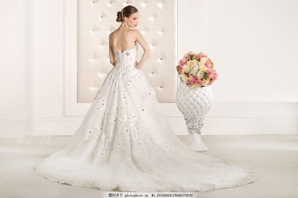 美女与花朵 美女与花朵图片素材 鲜花 婚纱 背影 情侣图片 人物图片