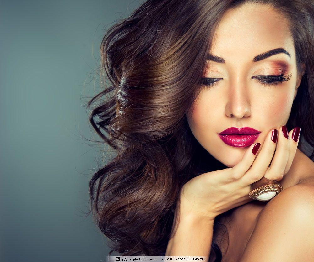 女人 女性 性感美女 漂亮女人 外国女人 长发美女 人物摄影 闭着眼睛