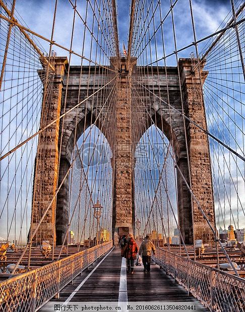 网状结构的大桥