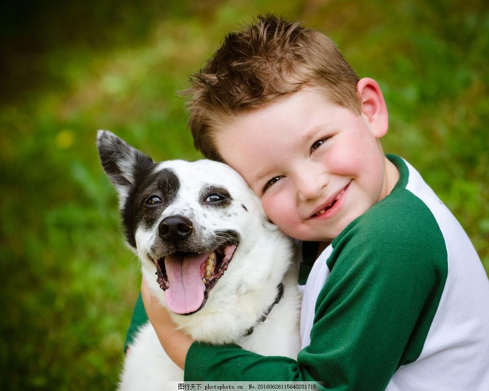 小男孩和狗 小男孩和狗图片素材 宠物狗 微笑 动物 和谐 外国
