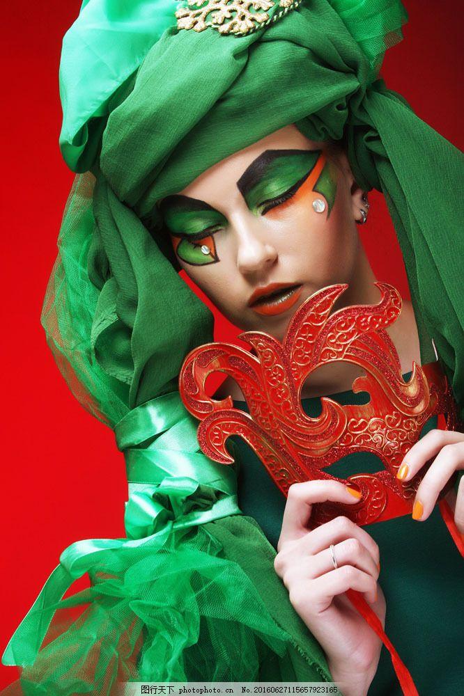 红色面具美女图片