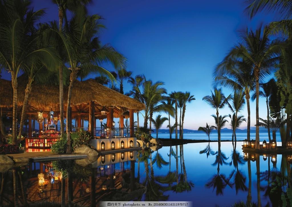 夜晚海边亭子风景图片素材下载 大海 海岸 椰树 海面 酒店